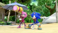 SB S1E19 Amy Sonic battle stance