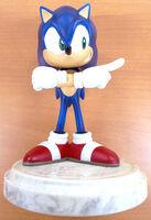 Sonic 10th statue