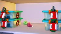 S1E02 Tails place fridge contents 3
