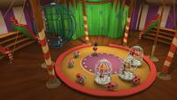 SB S1E12 Circus interior