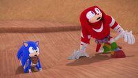 SB S1E21 Sonic Knuckles startled