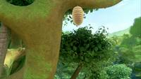 SB S1E13 Tree bee's nest