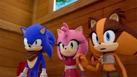 SB S1E35 Sonic Amy Sticks waiting