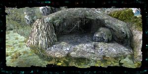 entrée de la crypte de Corbeau