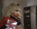 Muppetfamilychristmaspiggystorm01