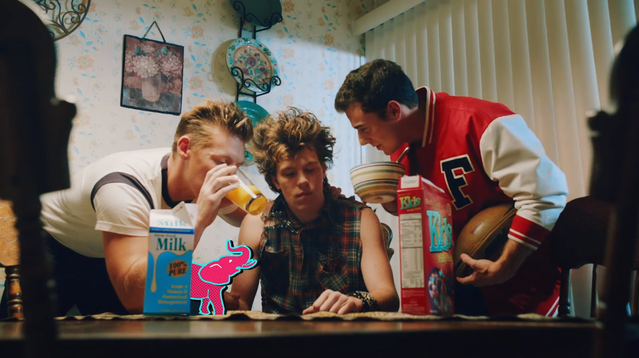 5 Seconds of Summer - She's Kinda Hot (Music Videos)