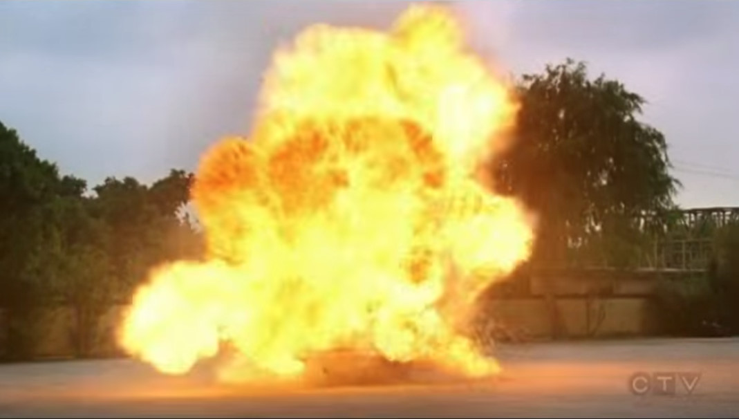 Sound Ideas, Explosion Single Large 05 - Single large explosion with fiery ending