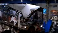 The Lost World Jurassic Park SKYWALKER WINDOW CRASH 01
