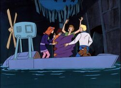 Scoobyrustlecloth04.jpg