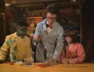 Bill Nye Chemical Reactions Sound Ideas, ELECTRONIC - MAGICAL POOF 04 (2)