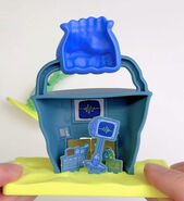 SpongeBob-Karen-toy-Chum-Bucket-mini-playset
