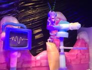 Plankton-and-Karen-mobile-ice-sculptures-2