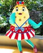 Spongebob-Mrs-Puff-summer-mascot