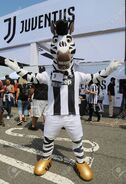 105642816-harrison-nj-july-28-2018-the-juventus-f-c-mascot-j-before-the-2018-international-champions-cup-cup-g