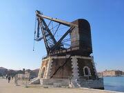 RealWorld Port crane.jpg