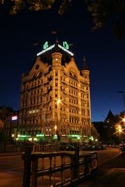 RealWorld Moehlenbrok Hotel (Night).jpg
