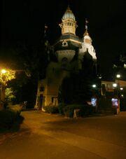 RealWorld Hanavsky Pavilion (Night).jpg