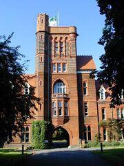 RealWorld Girton College in Cambridge.jpg