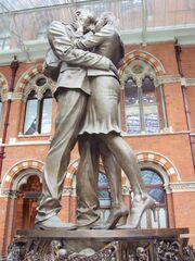 RealWorld Statue of Lovers.jpg