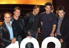 I principali attori all'episodio 100.jpg