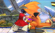 Takamaru golpeando con su katana a Charizard en el Campo de batalla SSB (3DS)