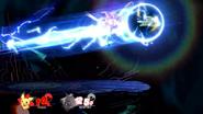 Pichu usando Placaje contra Mewtwo SSBU