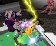 Pikachu usando Trueno SSBM