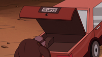 S2E36 Gemini opening Miss Heinous' car trunk