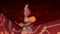 S2E17 Pony Head tries to carry her friends upward