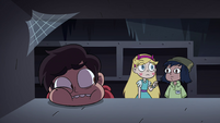S4E11 Star pointing at something on the shelf