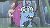 S3E35 Pony Head 'a new life on the road'