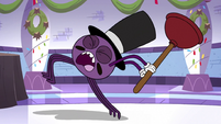 S3E26 Spider With a Top Hat running with a plunger