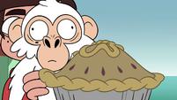 S4E2 White monkey sniffing the pie