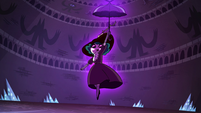 S4E4 Eclipsa floating above the ground