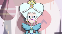 S4E1 Fake Queen Moon appears on stage