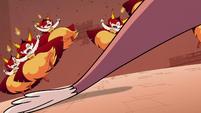 S4E24 Globgor's tail knocks over Hekapoo's clones