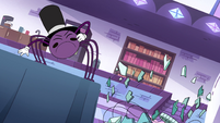 S4E21 Chandelier shatters near Spider With a Top Hat