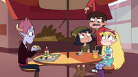 S4E30 Marco pointing at Janna's shirt