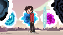 S2E31 Marco Diaz looks at the portal leading home