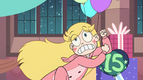 S3E25 Star Butterfly elbow-dropping a balloon