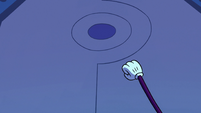 S2E22 Spider With a Top Hat knocks on Narwhal's door