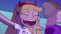 S2E39 Star Butterfly lip-syncing passionately