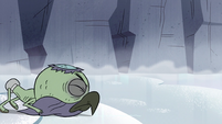 S2E2 Ludo carves the ice with his beak