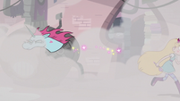 S3E8 Star Butterfly and Pony Head split up in the steam
