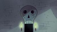 Quest Buy background - Skeleton door