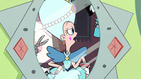 S2E3 Queen Butterfly asking if she has warnicorns