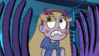 S3E9 Rug hands appearing around Star Butterfly