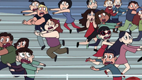 S1E4 Spectators running in terror