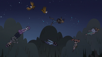 S3E38 Soulless people and eagles float through the sky