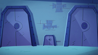 S2E22 Exterior shot of Spider With a Top Hat's bedroom